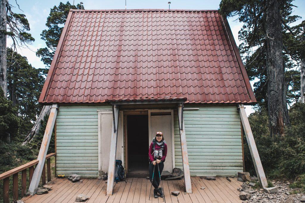 【雪北行程】雪山北峰三天兩夜│遇見童話中的小木屋