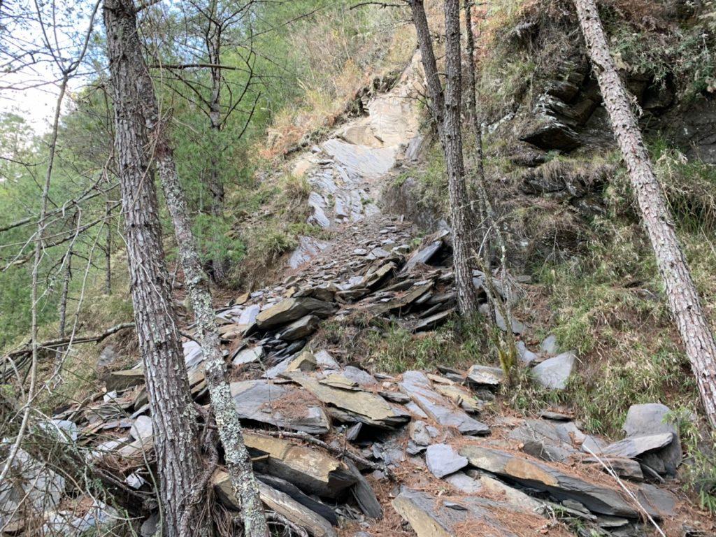 南湖大山坍方路段