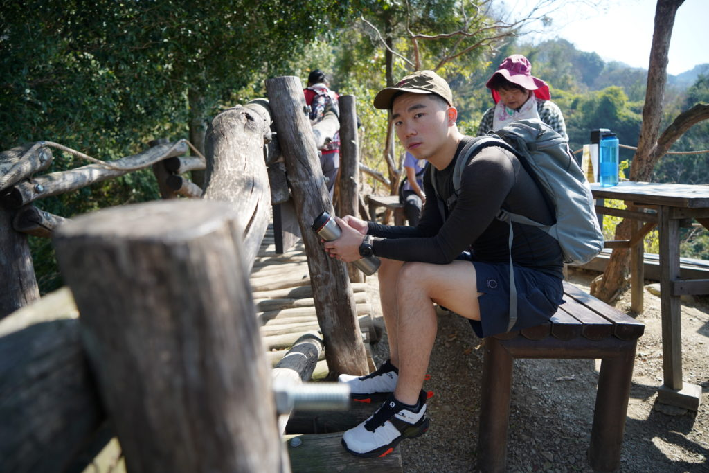 Salomon短筒登山鞋