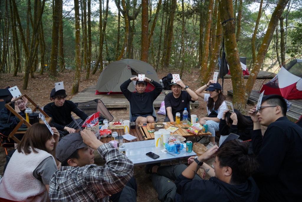 露營玩遊戲
