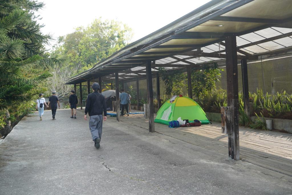 顏氏牧場枕木露營區