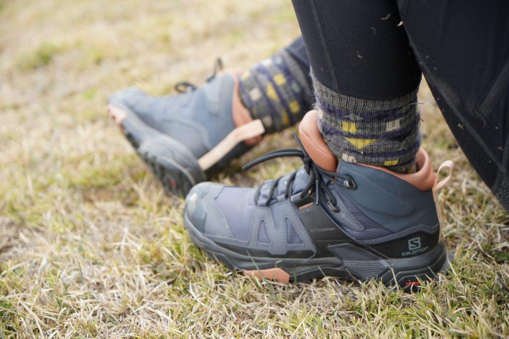 Salomon中筒登山鞋推薦