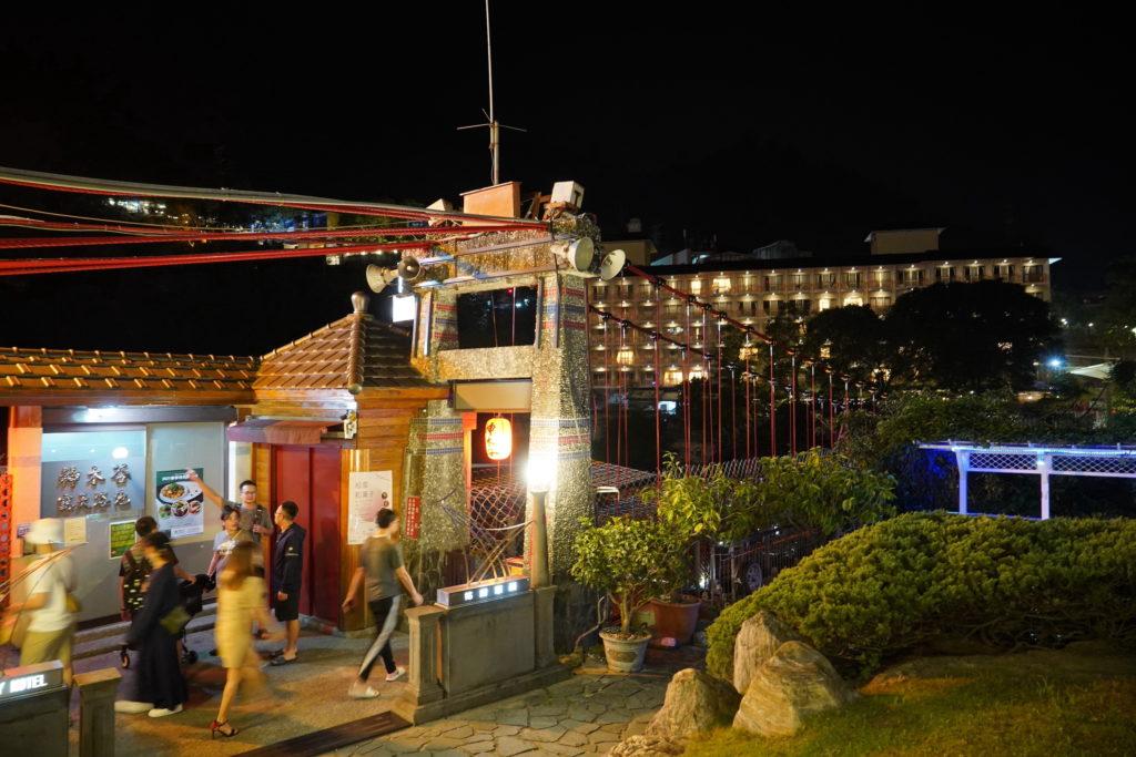 谷關吊橋夜景